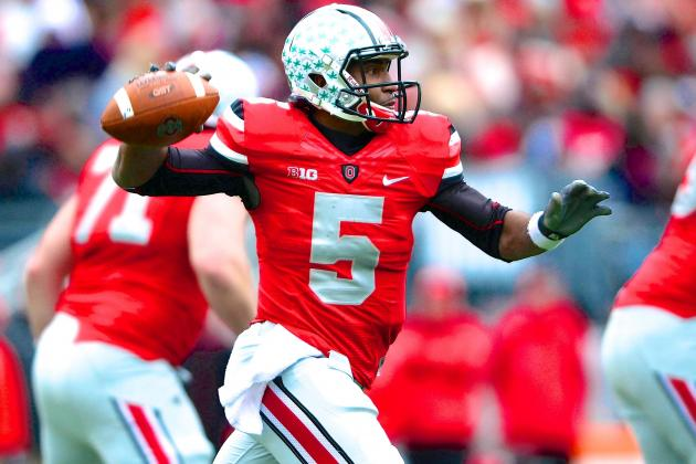 How Ohio State's Braxton Miller Knows When to Stay in the Pocket and When to Run