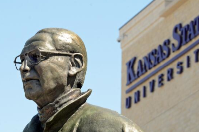 Statue of K-State Coach Bill Snyder Sculpted by KC Artist Is Unveiled