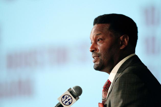 Texas A&M Coach Kevin Sumlin Lashes Out at Sooners, Cowboys