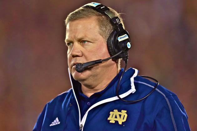 Brian Kelly Signs Contract Extension with Notre Dame Through 2017