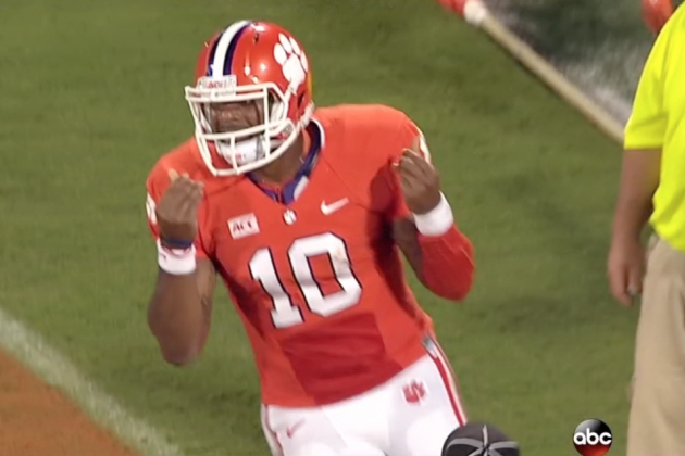 Clemson Quarterback Tajh Boyd Also Does the 'Show Me the Money' Sign