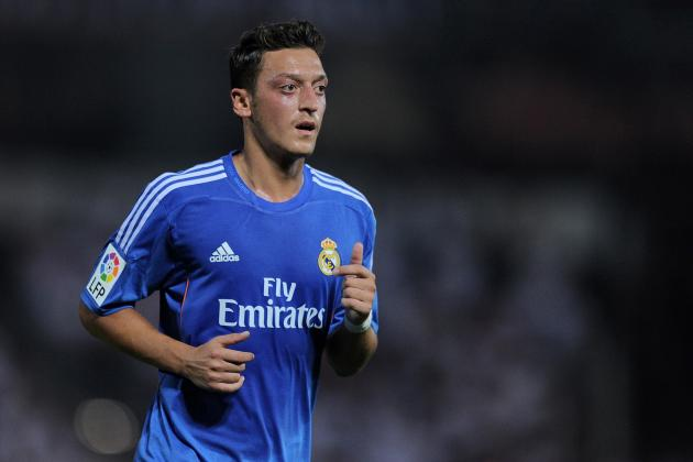 Real Madrid Transfer News: Mesut Ozil Would Be Unwise to Leave Bernabeu
