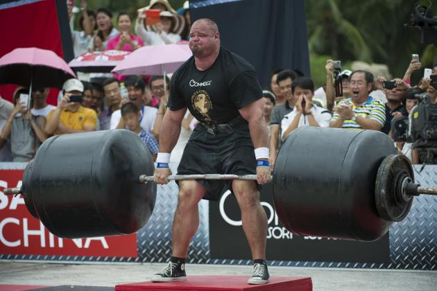 Brian Shaw Deadlifts 975 Pounds at the World's Strongest Man Competition