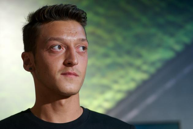 Arsenal Transfer News: Mesut Ozil Not Enough for Top 4