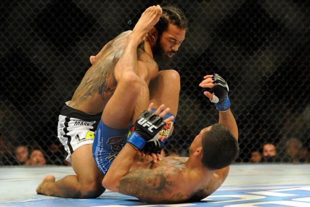 After Submission Win over 'Bendo', Coach Says Pettis Is a Blue Belt in BJJ