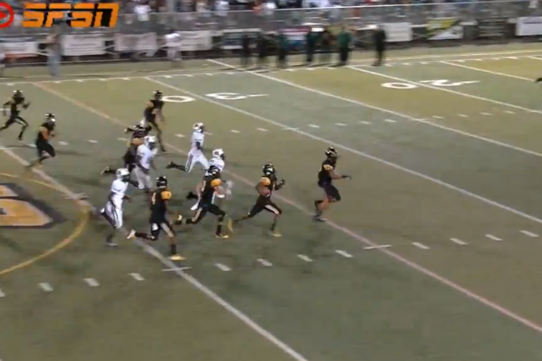 Florida High School Football Player Jukes His Way to an Incredible Return TD