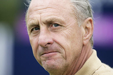 Cruyff Responds to Rosell Claims, Threatens Legal Action Against Barca