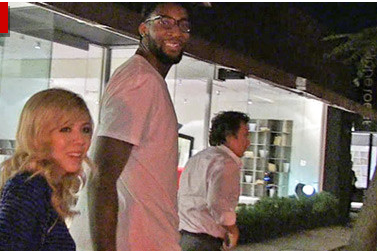 Drummond and McCurdy Take Date to Hollywood