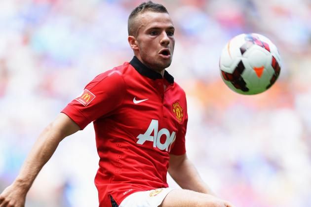 Tom Cleverley to Be Odd Man out After Marouane Fellaini's Manchester United Move
