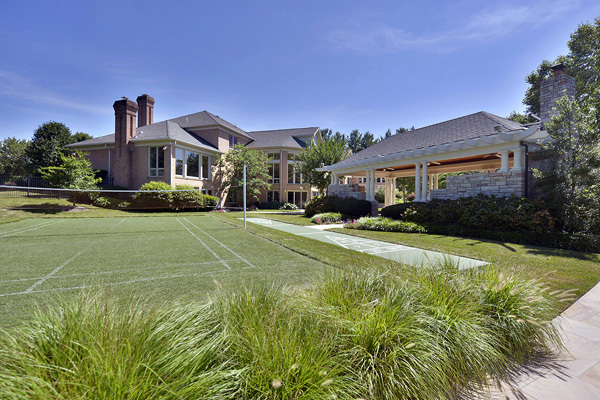 John Wall villa in