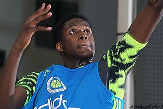 Jaylen Johnson Commits to Louisville