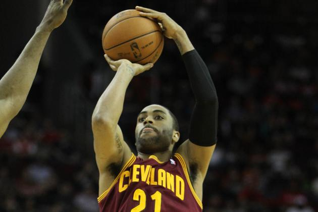 Underrated Wayne Ellington Upgrades Mavs' Outside Shooting