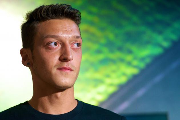 Arsenal Investigate If Academy Coach Mark Arber Bet on Mesut Ozil Deal at 14-1