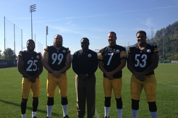 Tomlin Reveals 2013 Captains with TwitPic