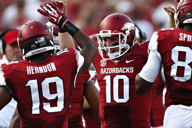 Arkansas Pulls Away from Samford, 31-21