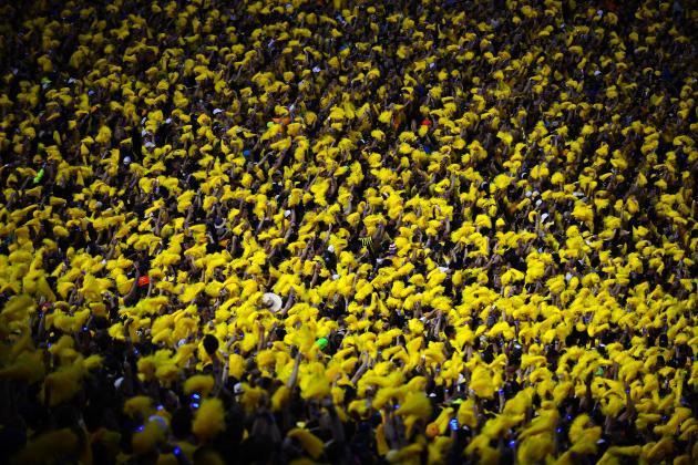Michigan-Notre Dame Sets New American Football Attendance Record