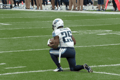 Tennessee Titans Return Man Darius Reynaud Takes Bonehead Safety on 1st Play