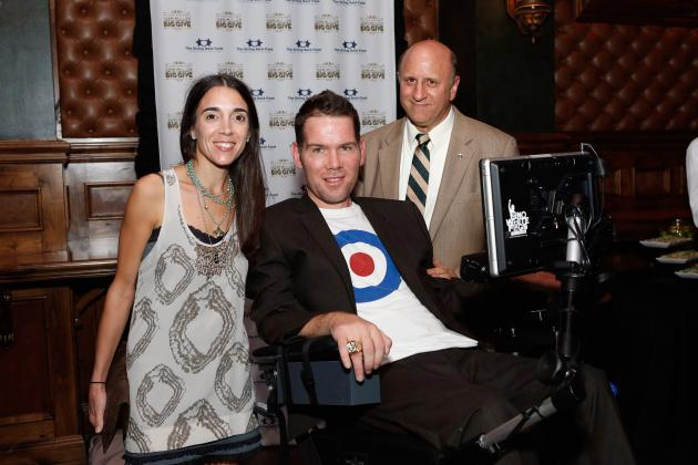 Steve Gleason and Sean Payton Lead New Orleans Saints' Pregame Chant