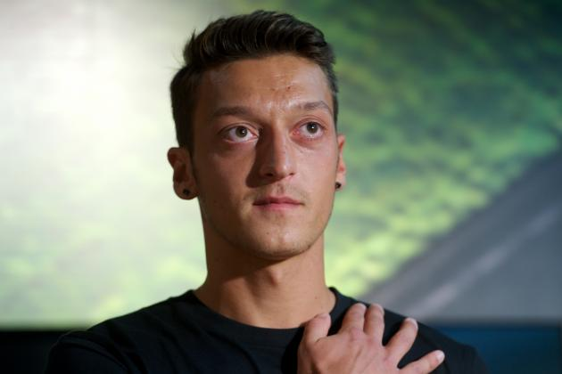 How Arsenal Can Get the Best Out of Mesut Ozil