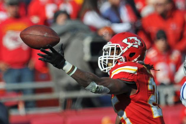 Chiefs Get Running Back Charles More Involved in Passing Game: