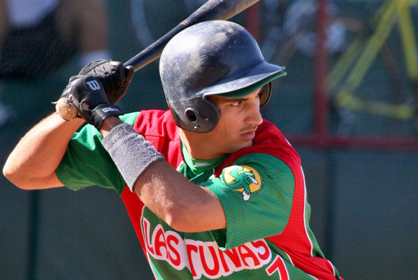 Alexander Guerrero Reportedly Signs with Los Angeles Dodgers