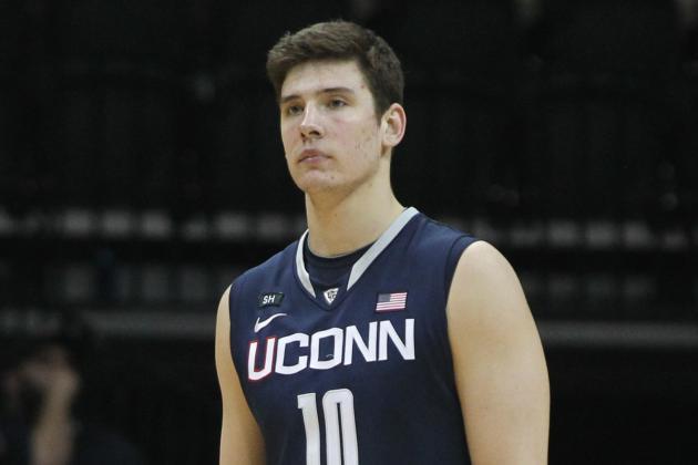 UConn Basketball: Tyler Olander's Suspension Piles More Problems on Kevin Ollie