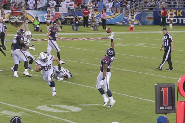 Houston Texans RB Arian Foster Makes a Sick One-Handed Catch That Gains a Yard