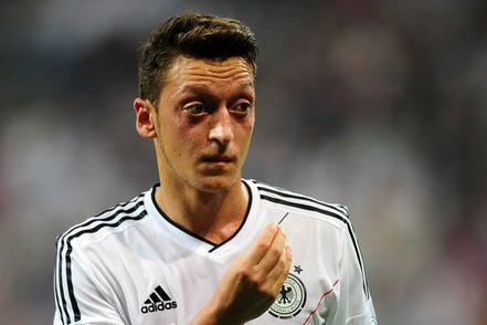 Mesut Ozil Will 'Nail It' at Arsenal According to Former Gunner Fabregas
