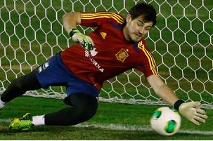 'Casillas Has Half-Decided His Future'