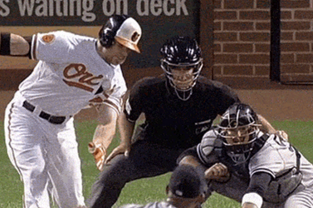 Watch Orioles' Chris Davis Lose the Ball in His Own Jersey After a Foul Tip