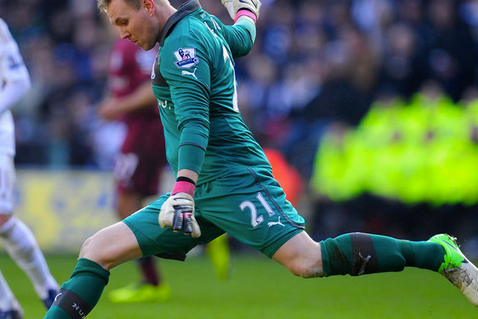 Rob Elliot Is Eyeing a Newcastle Starting Berth