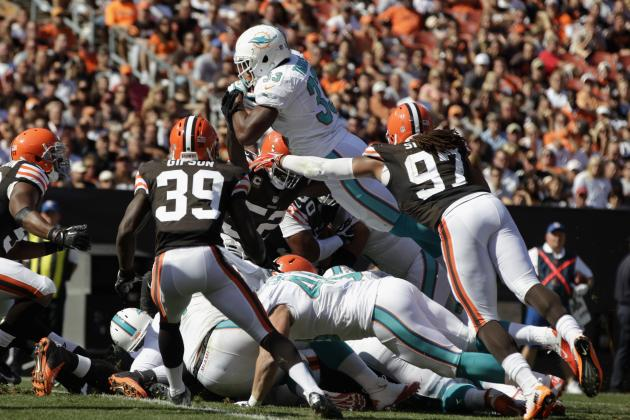 Breaking Down the Miami Dolphins Troubled Running Game and How They Fix It