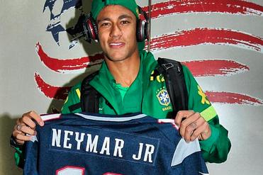 Neymar Shows Off Patriots Jersey