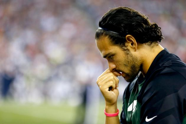 Why a Torn Labrum Leaves Mark Sanchez with an Impossible Decision