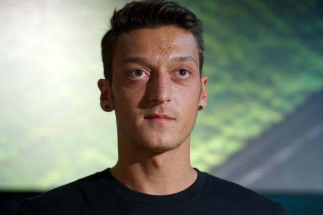 Mesut Ozil Signing Must Pay Immediate Dividends to Justify Arsenal's Slow Window