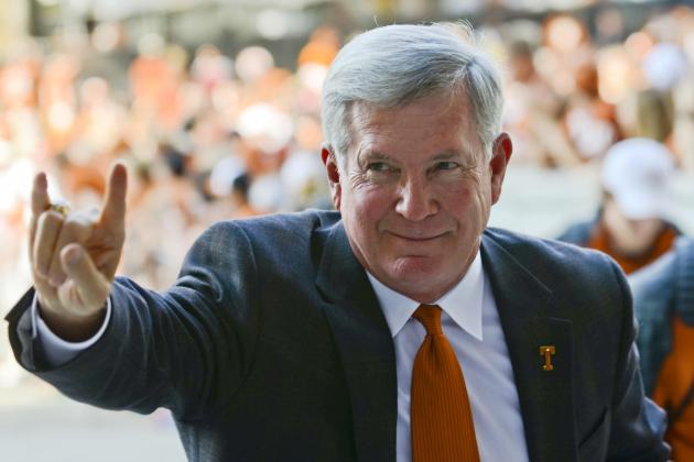 How Mack Brown Should Handle QB Situation Against Ole Miss