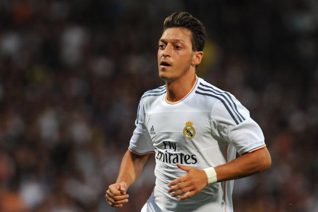 Mesut Ozil Makes Arsenal a Contender in Barclays Premier League
