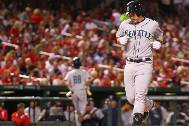 Cardinals Retake NL Central Lead, Beat Mariners 2-1 on Passed Ball