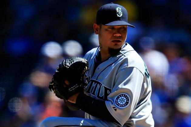 Felix Hernandez Tests Oblique Strain by Throwing off Flat Ground