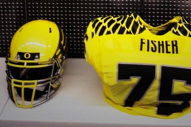 Oregon Ducks Release Photo of Bright Yellow Game-Day Uniforms