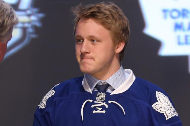 Leafs Rookie Rielly Making a Case to Stay Early in Camp