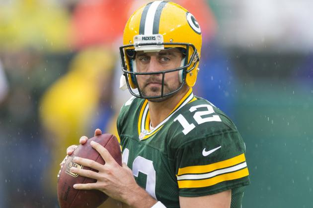 Aaron Rodgers Throws for 335 Yards in First Half