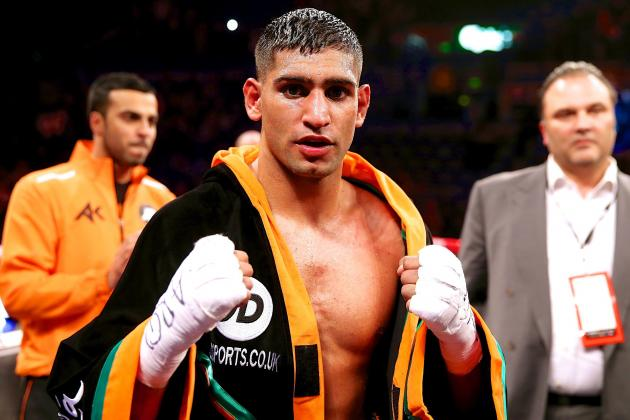 Amir Khan Calls Out Floyd Mayweather, Coach Issues Personal Challenge