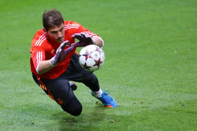 Iker Casillas Injury: Updates on Real Madrid Keeper's Ribs, Likely Return Date