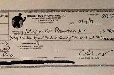 Report: This Is Floyd Mayweather's $40 Million Canelo Alvarez Fight Check