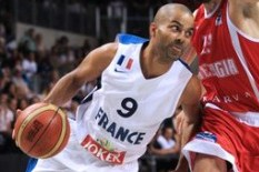Spurs' GM Wanted Tony Parker to Play Fewer Minutes at Eurobasket