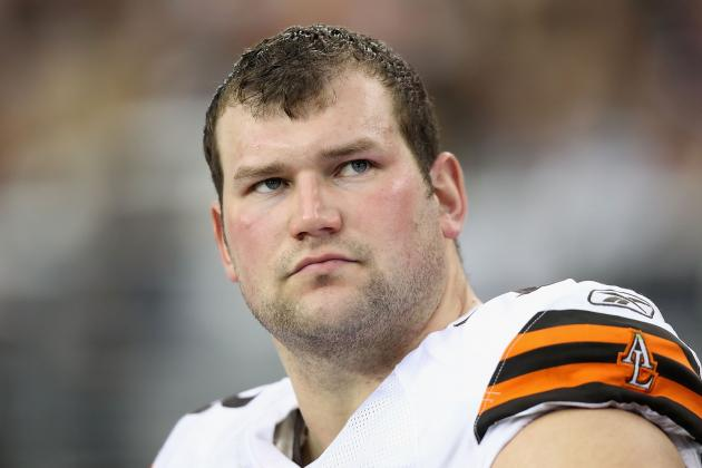 Browns Bookend Joe Thomas Not on Trading Block
