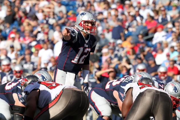 Brady, Rookie WRs Click as Pats Crush Bucs