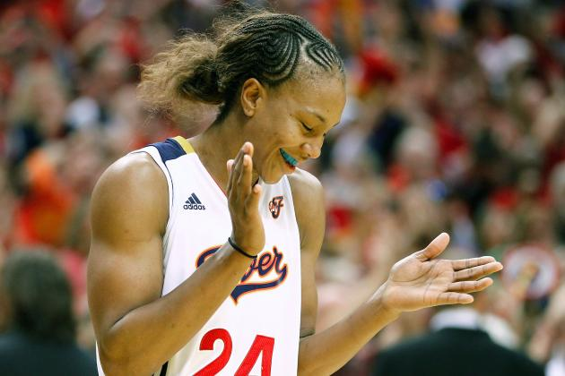 Fever Advance to Eastern Conference Finals with 79-57 Win over Sky