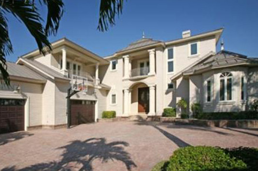 Larry Bird Is Selling His Florida Mansion, and Yes, It Has a Basketball Hoop